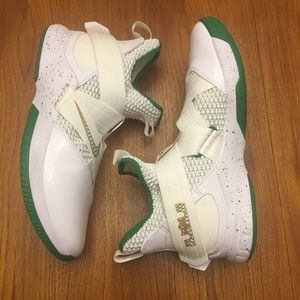 cheaper 89590 72e66 Nike Shoes - Nike LeBron Soldier 12 SVSM Irish Size 13 GUC